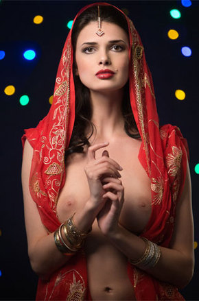 Babe On Indian Jewelry Poses Topless