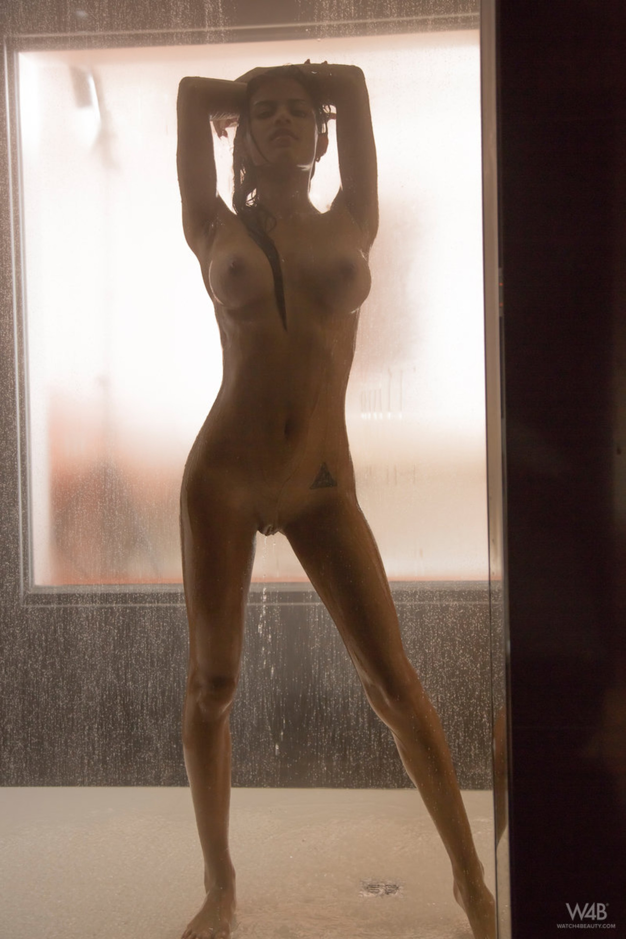 Sexy Latina Denisse Under The Shower-03